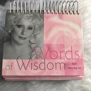 Words of wisdom day calendar by mary kay-ash